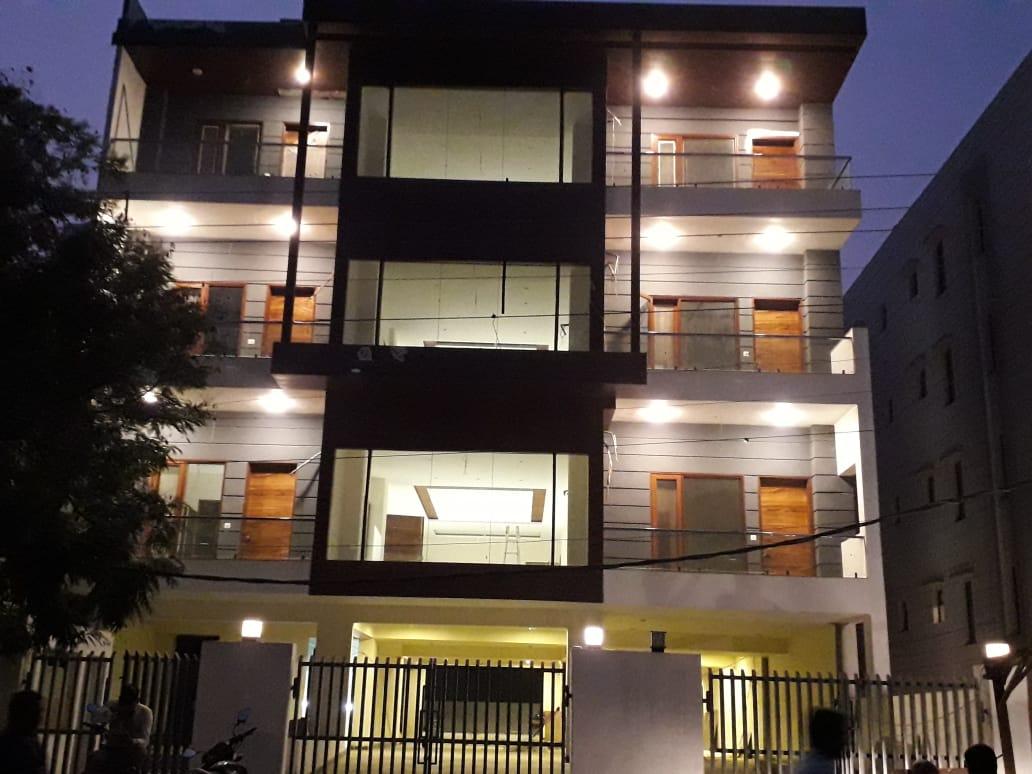 4 BHK Builder Floor in Palam Vihar , Gurgaon