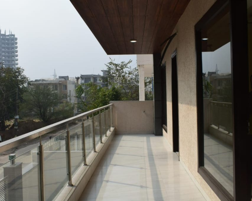 Builder Floor in Sushant Lok 2 Sector-56, Gurgaon Balcony