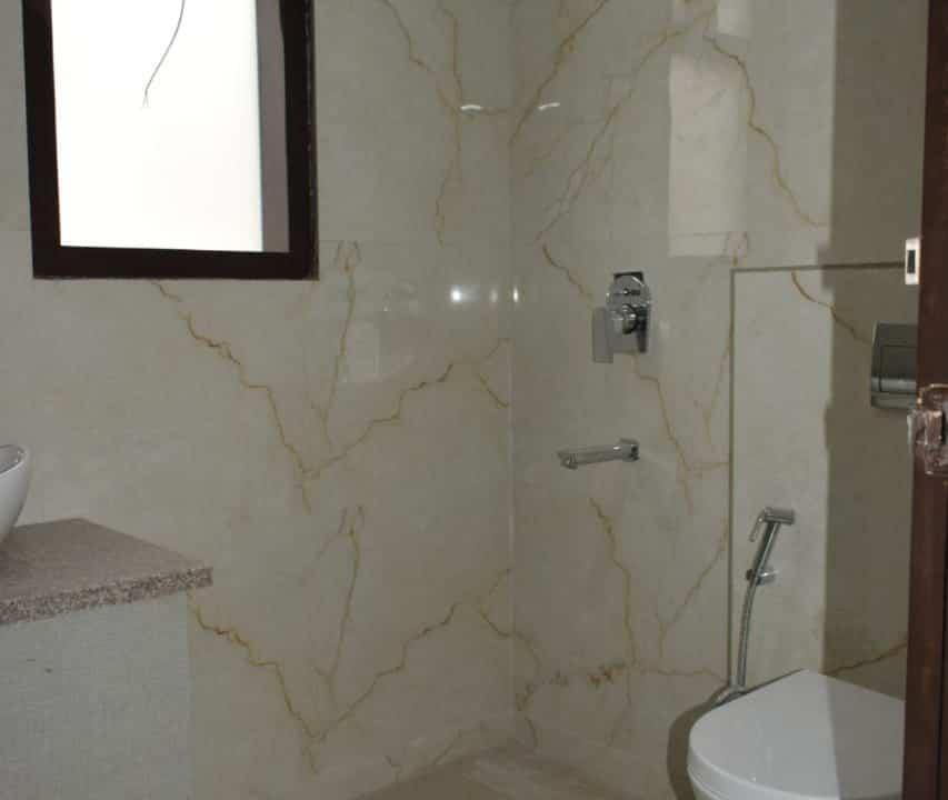 Builder Floor in Sushant Lok 2 Sector-56, Gurgaon Toilet