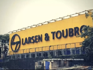 Naigaum BDD residents want L&T to revive redevelopment project